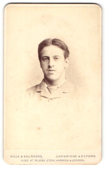 Fotografie Hills & Saunders, Cambridge, Portrait junger Mann mit Mittelscheitel 0