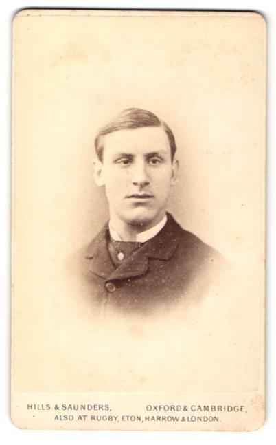 Fotografie Hills & Saunders, Oxford, Portrait junger Mann mit Seitenscheitel 0