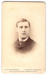 Fotografie Hills & Saunders, Oxford, Portrait junger Mann mit Seitenscheitel