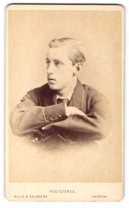 Fotografie Hills & Saunders, Harrow, Portrait blonder Knabe im anug
