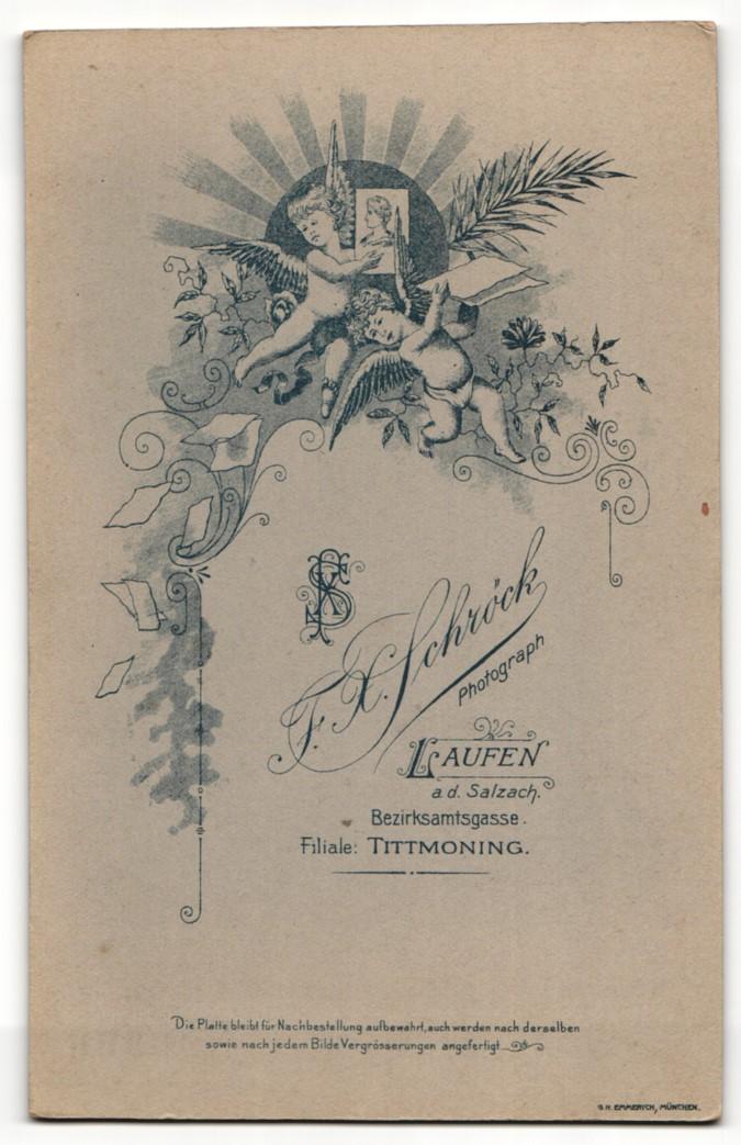 Fotografie Fr. X. Schröck, Laufen a. d. Salzach, Portrait bürgerliches Paar in festlicher Kleidung mit Ansteckblumen 1