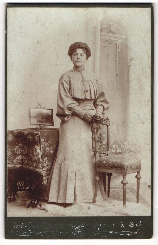 Fotografie E. Goldstein, Minden i/W, Portrait junge bürgerliche Dame 0