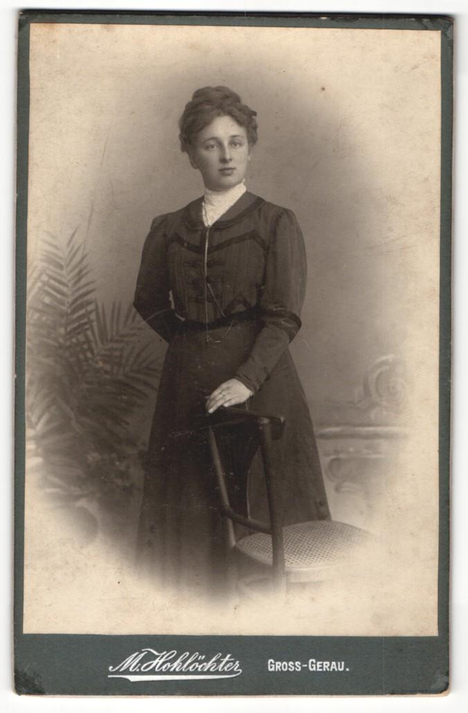 Fotografie M. Hohlöchter, Gross-Gerau, Portrait bürgerliche junge Dame 0