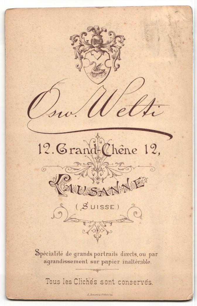 Fotografie Osw. Welti, Lausanne, Portrait Dame mit Pelzschal 1
