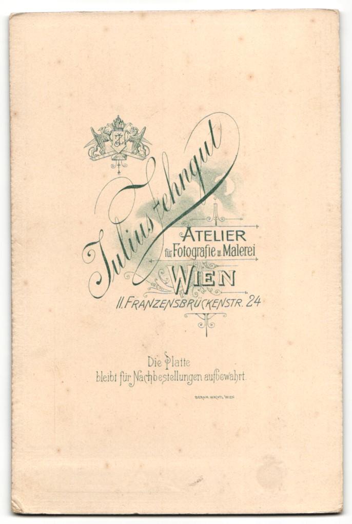 Fotografie J. Zehngut, Wien, Portrait ältere Frau und Säugling 1