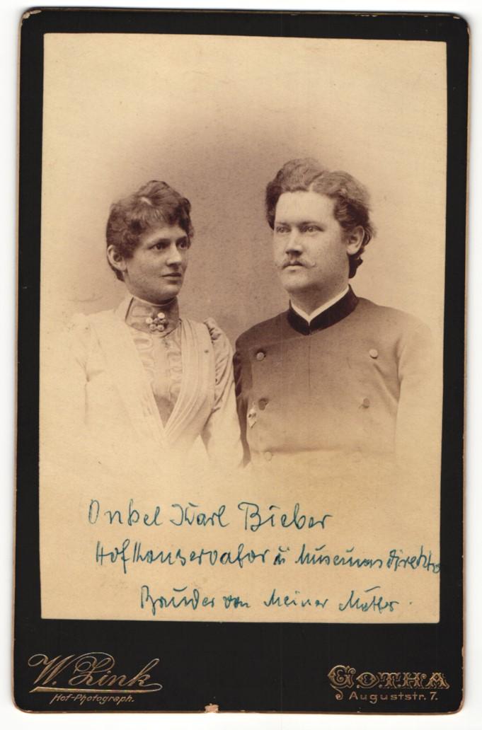 Fotografie W. Zink, Gotha, Portrait Hofkonservator und Museumsdirektor Karl Bieber mit Gattin 0