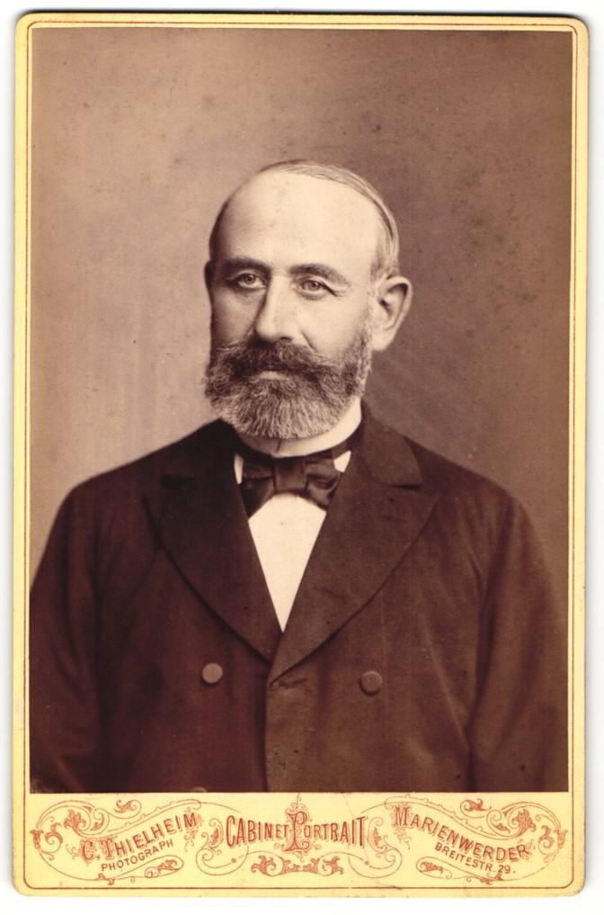 Fotografie C. Thielheim, Marienwerder, Portrait älterer Herr mit Bart 0