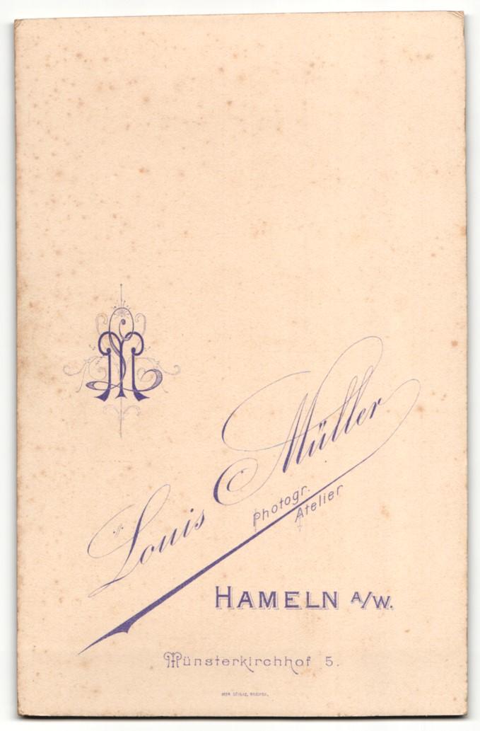 Fotografie Louis Müller, Hameln a/W, Portrait junges bürgerliches Paar 1