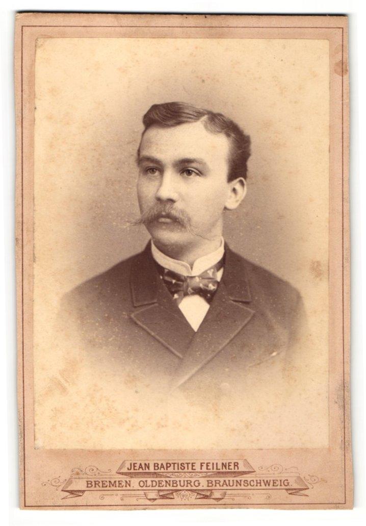 Fotografie Jean Baptiste Feilner, Bremen, Portrait junger Herr mit imposantem Oberlippenbart 0