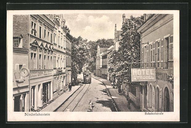 AK Niederlahnstein, Blick in die Bahnhofstrasse, Hotel Strobel 0
