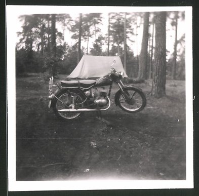 Fotografie Motorrad IFA-MZ RT125, Krad nebst Zelt 0
