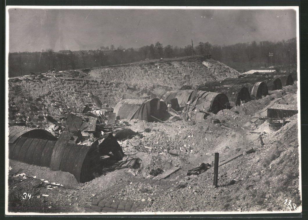 Fotografie Ansicht Ham / Somme, Deutsches Lager, zerstörte Wellblech-Barracken, 1.WK 0