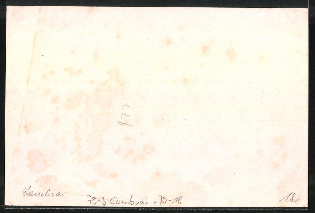 Fotografie Ansicht Cambrai, Deutsche Besetzung, Schild Kommandantur am Rathaus, Auto mit Reichsadler auf der Tür, 1.WK 1