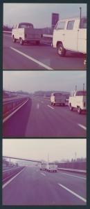 3 Fotografien Volkswagen Pritsche T2 Doppelkabine, Bulli auf einer Autobahn