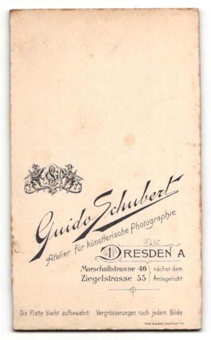 Fotografie Guido Schubert, Dresden-A., Portrait bezauberndes Kleinkind im weissen Hemdchen 1
