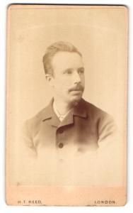 Fotografie H. T. Reed, London, Mann mit Ziegenbart
