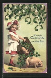 Präge-AK Mädchen lässt Glücksschweine frei, Glückwünsche zum neuen Jahre!