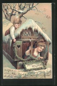 Präge-AK Junge überrascht das Mädchen am Fenster, Prosit Neujahr!
