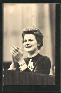 AK Erste Kosmonautin Valentina Tereschkowa auf dem Weltkongress der Frauen in Moskau, Juni 1963