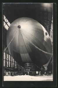AK Fertiggestelltes Luftschiff Graf Zeppelin vor seinem Jungfernflug