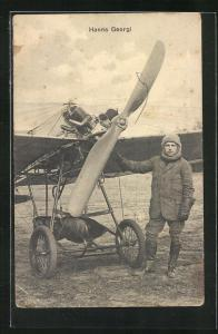 AK Pilot Hans Georgi vor seinem Flugzeug