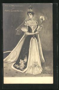 AK Gemahlin von König Edward VII. von England in pompösem Kleid mit Schleppe und Krone