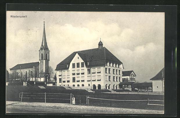 AK Niederuzwil, Gebäudeansicht und Kirche 0