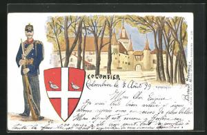 Künstler-AK Colombier, Ortspartie mit Wappen, Soldat in Uniform mit Bajonett