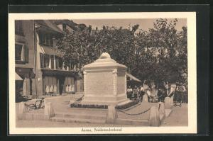 AK Aarau, Kinder vor dem Soldatendenkmal