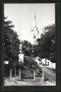 AK Drassmarkt, Kriegerdenkmal bei der Kirche