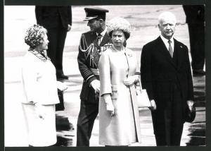 Fotografie Königin Elisabeth II. von England mit Mutter beim Besuch in Deutschland