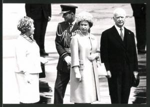 Fotografie Königin Elisabeth II. von England mit Mutter Elisabeth beim Staatsbesuch in Deutschland
