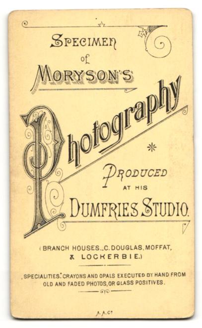 Fotografie Moryson, Dumfries, Frau mit zurückgebundenen ...