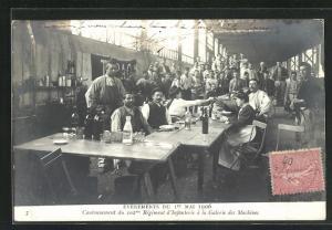 AK Paris, Arbeiterbewegung am 1. Mai, Cantonnement du 102. Regiment d'Infanterie a la Galerie des Machines