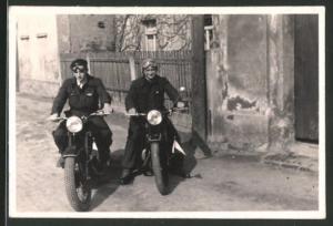 Fotografie Motorrad EMW-R35, Fahrer mit Schutzbrille auf Krad sitzend