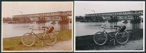 2 Fotografien Fahrrad, Velo in Farbe & schwarz-weiss bei Maxau an der Rheinbrücke 1959