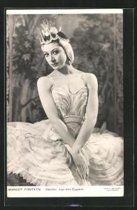 AK Balletttänzerin Margoit Fonteyn in Odette, Lac des Cygnes