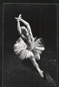AK Balletttänzerin E. Ryabinkina in Swan Lake