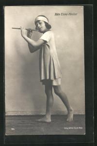 AK Käthe Esser-Kindler, Portrait mit Flöte