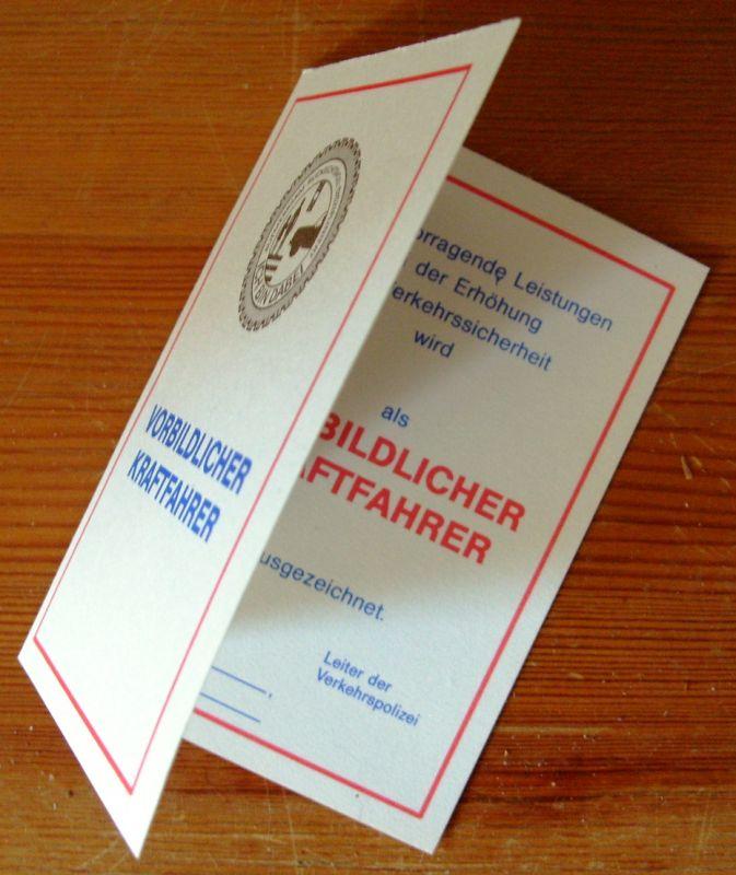 Anstecknadel: DDR-Anstecknadel - Vorbildlicher Kraftfahrer, mit Blanko-Ausweis, Original aus DDR-Produktion, KOMPLETT EXTREM SELTEN! 2