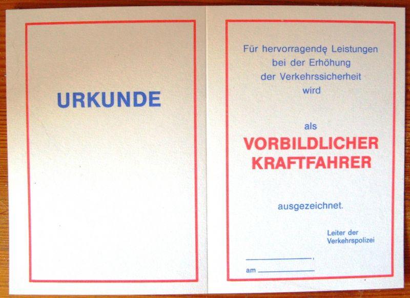 Anstecknadel: DDR-Anstecknadel - Vorbildlicher Kraftfahrer, mit Blanko-Ausweis, Original aus DDR-Produktion, KOMPLETT EXTREM SELTEN! 4
