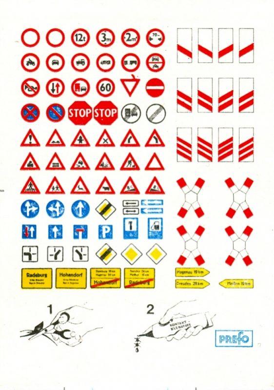 Modellbau: DDR-Modellbau, Zubehör, Karte mit Verkehrszeichen u.a., Original aus DDR-Produktion 0