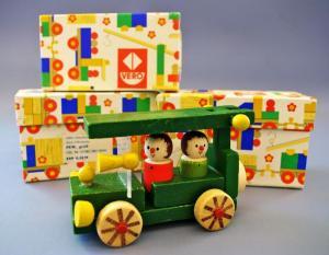 Spielzeug: DDR-Spielzeug, einfaches Holzauto für kleinere Kinder, VEB Vero Olbernhau, Original aus DDR-Produktion, OVP, 80er Jahre