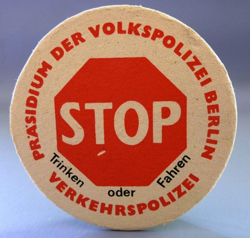 Bierdeckel: 12er Set - Bierdeckel: STOP - Trinken oder Fahren, Original aus DDR-Produktion - Präsidium der Volkspolizei Berlin, Ende 80er Jahre, SELTEN