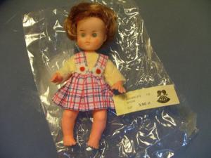 Spielzeug: Puppe, kl. Mädchen, ARI - August Riedeler Puppenfabrik, Königssee/ Thüringen, OVP, Original aus DDR-Produktion, 70er und 80er Jahre