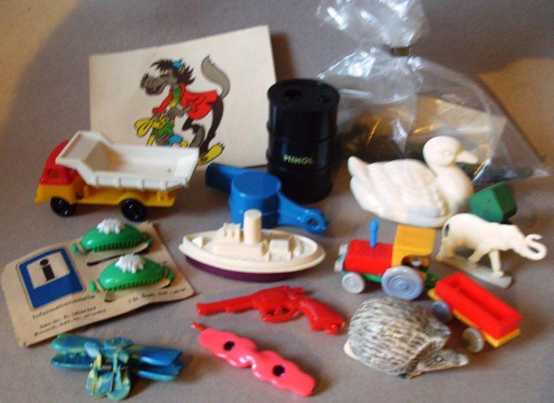 Spielzeug: Preise/ Gewinne Kindergeburtstag - 6er Set für Topfschlagen, Sackhüpfen, Tombola oder andere Aktionen, DDR-Wundertüten mit Originalen aus DDR-Zeiten individuell neu befüllt
