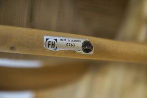 Kirchenstuhl Stuhl von Kaare Klint für Fritz Hansen, Dänemark mit Papercord | 88x vorhanden 9