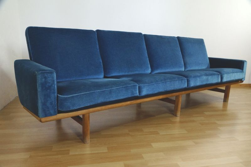 xl sofa von hans j rgen wegner f r getama. Black Bedroom Furniture Sets. Home Design Ideas