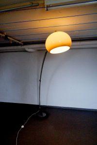 Arc Lamp Bogenlampe mit Plasikschirm, Italienischer Stil Vintage Lampe 70er 80er 5