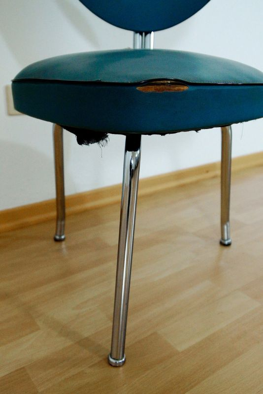 Vintage arztstuhl 3 beinig skai kunstleder stuhl hospital for Stuhl stahlrohr
